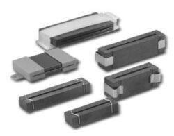 EMC Ferit s děleným jádrem: SRPS 45,1x6,35x28,5M1-Schmid-M: Feritové jádro SRPS 45,1x6,35x28,5M1 dělené EMI na ploché kabely Fig. 4; B=34,4mm; A=28,50mm, E=1,60mm; D=12,70mm (Impedance 25Mhz-70 Ohm; 100Mhz-140 Ohm)